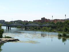 Puente de hierro 2012 (Javier Garcia Alarcon) Tags: city bridge españa church pilar río river puente spain religion bridges catedral iglesia ciudad zaragoza virgin puentes ebro virgen basílica religión basílicadelpilar ríoebro