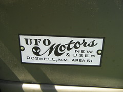 UFO Motors (PAcarhauler) Tags: tractor chevrolet truck roswell ufo bison