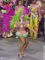 Mangueira_Carnaval 2014_Rio de Janeiro (FM Carvalho) Tags: carnival brazil rio brasil riodejaneiro de samba do shot sony cybershot carnaval escola sonycybershot cyber mangueira passarela sambdromo marqus escoladesamba sapuca marqusdesapuca sambaschool passareladosamba carnavaldoriodejaneiro sambadrome riocarnival carnavalcarioca carnavaldorio sambdromodorio sambdromocarioca sambdromodoriodejaneiro hx9v sonyhx9v carnaval2014
