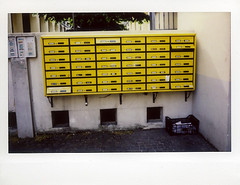 Giallo (Valt3r Rav3ra - DEVOted!) Tags: street yellow fuji streetphotography giallo colori alessandria instantfilm urbanvisions visioniurbane valt3r valterravera fujiinstaxwide300
