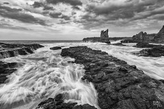 flowing (TLP images) Tags: seascape canon blackwhite cathedralrocks canonefs1022mmf3545usm kiamansw canonaustralia 7dii visitwollongong tlpimages