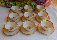 Lenox Porcelain China Cups & Saucers ~ Nydia Gold Red Flower (Donna's Collectables) Tags: china red flower gold cups porcelain ~ lenox saucers nydia