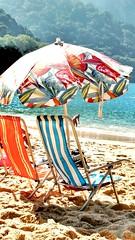 um domingo de outono (luyunes) Tags: sol praia riodejaneiro mar outono praiavermelha motomaxx luciayunes