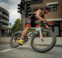 Radrennen (stephan.habrich) Tags: street city sport race germany deutschland outdoor strasse rad run stadt nrw triathlon rennen sportsman mnchengladbach draussen geschwindigkeit radrennen sportler