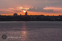 Heureux de vous rencontrer. (alun.disley@ntlworld.com) Tags: sunset sky water weather liverpool reflections lowlight wallasey wirral merseyside rivermersey portsandharbours