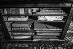 Light Reading (Andy Valente) Tags: monochrome vintage interior books nationaltrust ultrawide belton