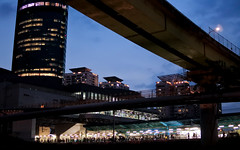 Way back home (shimdakyum) Tags: blue subway people train night bridge nikon j5 seoul commute building korea