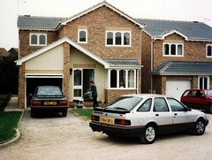 1987 Ford Sierra 2.0i GLS, 1988 Ford Orion 1.6i Ghia (Stuart Axe) Tags: uk greatbritain classic ford car classiccar unitedkingdom 1987 sierra 80s orion gb mk2 1980s saloon 1990s 1990 90s ghia gls hatchback gl glx fordorion fordsierra jellymould mk1 xr4i xr4 fordsierragls uwebahnsen e764gfl