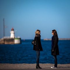 Frozen conversation (Mabry Campbell) Tags: street people photography march photo skåne women europe sweden meeting photograph 100 sverige talking scandinavia malmö f28 malmo 2012 200mm skane ef200mmf28liiusm canonef200mmf28liiusm ¹⁄₅₀₀₀sec mabrycampbell 201203024059 march22012