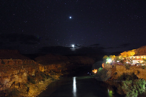 Venus and moon set over San Juan River, US163, Utah [Explore]