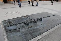 Wrocław Główny train station 01.06.2012 (szogun000) Tags: railroad sculpture station canon poland polska rail railway diorama e30 wrocław pkp e59 lowersilesia dolnośląskie dolnyśląsk makieta wrocławgłówny canoneos550d canonefs18135mmf3556is d29271 d29132 d29276 d29273 d29285 d29763