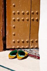 Musqui (Dani Alvarez Cañellas) Tags: door puerta muslim islam cité mosque morocco arab maroc porta mezquita porte marruecos marroc mosquée mesquita eljadida المغرب portugaise babucha baboucha dukala