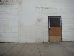 door (Minh-Chau Doan) Tags: street chicago sony h9