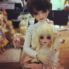 Tama-chan & Little Arnise (TURBOW) Tags: square doll sd squareformat bjd rise superdollfie volks lorina yosd iphoneography littlelorina instagramapp uploaded:by=instagram foursquare:venue=4c3857db1e06d13a208c773e