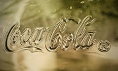 Voor Lies (Pieter Musterd) Tags: photoshop canon cola 5d cocacola glas musterd colorefexpro tussenringen pietermusterd drinkglas canon5dmarkii