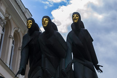 Iron Maidens With Golden Faces (AlanScerbakov) Tags: black face statue lady dark golden nikon iron with faces 55mm ladys 18 d3100 alanscerbakov