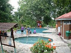 世界遺産キナバル公園・先住民の村とポーリン温泉