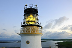 Sumburgh Head Lighthouse at dawn, Shetland (iancowe) Tags: lighthouse lamp sunrise lens dawn scotland airport head scottish stevenson fresnel shetland gloaming rspb northernlighthouseboard nlb sumburgh lighthousetrek wbnawgbsct