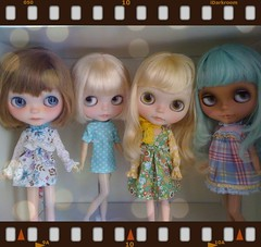 (Aya_27) Tags: blue white flower floral marina doll sad dress sweet lace alice sewing tan lavender plum handsewn mywork blythe lovely custom petite hs sleeves ruffle fbl dollie rbl pupe inhand dressbyme vainilladolly heathersky mamascalp parisscalp creayations