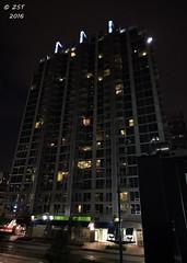 Appartments on Main (zeesstof) Tags: city architecture buildings downtown texas skyscrapers nightshot houston citylights afterdark tallbuildings downtownhouston concreteandglass insidetheloop zeesstof skyhousehouston