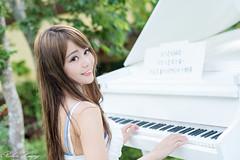 DSC_6571 (Robin Huang 35) Tags: girl nikon candy  d810