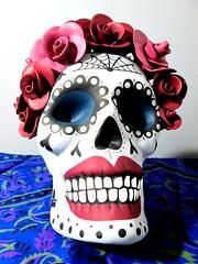 calaca de mi corazon (Ratikemiu) Tags: flowers flores skull mexican catrina calaca craneo ratikemiu