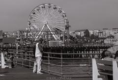 Spectators of life. (ka191091) Tags: trip travel people blackandwhite bw photography la pier losangeles santamonica traveler