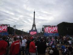 Paris_03 (ottantasette) Tags: paris eiffelturm fanzone euro2016
