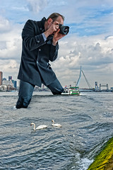 Inflatable me does Rotterdam / Erasmusbrug (zzapback) Tags: city bridge urban holland robert netherlands dutch river de swan rotterdam nikon europa europe fotografie nederland sigma maas 1224mm stad dg erasmusbrug zwaan rivier hef voogd rotjeknor vormgeving grafische hsm d700 bergselaan liskwartier f45f56 zzapback zzapbacknl robdevoogd stayawakeenjoyyourday inflatableme