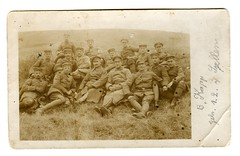 (Kaopai) Tags: group wiese german soldiers jaeger uniforms ww1 1wk soldaten sanitter gruppenphoto weltkrieg jger wk1 uniformen bitsch worldar