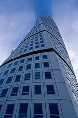Turning Torso, Malm (s_p_o_c) Tags: architecture skyscraper skne sweden architect sverige malm santiagocalatrava arkitektur bo01 turningtorso hsb vstrahamnen arkitekt