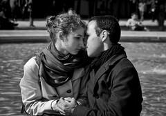 In Love (Sylv Photos) Tags: life street bw paris love look photography photo couple noiretblanc jardin scene nb amour capitale rue vie regard jardindupalaisroyal espacesverts
