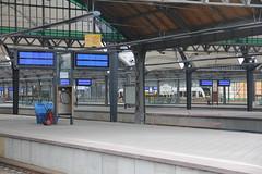 Wrocław Główny train station 05.06.2012 (szogun000) Tags: railroad station canon tracks poland polska rail railway platforms e30 wrocław pkp e59 lowersilesia dolnośląskie dolnyśląsk wrocławgłówny canoneos550d canonefs18135mmf3556is d29271 d29132 d29276 d29273 d29285 d29763