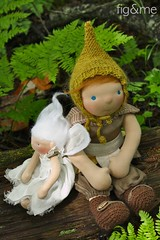 Peter Pan and Tinkerbell (Fig & Me) Tags: toys dolls handmade tinkerbell peterpan fairy neverland jmbarrie poupee munecas customdolls figandme stoffpuppen bonheca