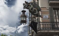 Barcelona mgica. (jaume llobregat) Tags: barcelona streetphoto catalunya eos350d canon1855 2016