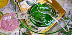 - il y a une salade d't - (Jac Hardyy) Tags: pink summer orange reflection green utensils kitchen glass yellow salad lemon dish sommer rosa gabel fork spoon towel bowl lemons gelb plexiglas tray grapefruit towels grn transparent tablet reflexion salat salade citron lffel besteck servers cutlery flatware perspex durchsichtig tablett plexiglass zitronen zitrone glasschale grapefruits lucite dt pampelmuse kchentuch salatschssel kchentcher pampelmusen spltuch sommersalat salatbesteck spltcher pamplemo