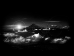 PICO DE ORIZABA (Gabriel Contreras Tzintzun) Tags: volcan paisaje captura aventura altura cielo nubes pueblo adrenalina libertad destello sol