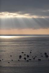 Rayos de sol Iquique (christian_d1978) Tags: botes playa rayosdesol iquique