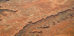2016_06_02_lax-ewr_482 (dsearls) Tags: river utah flying desert aviation united country canyon aerial erosion rivers geology ual canyons arid aerialphotography jurassic stratigraphy unitedairlines windowseat windowshot weathering 20160602