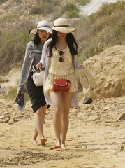 people_Scala_dei_Turchi_5037 (Manohar_Auroville) Tags: girls sea italy white beach beauty seaside rocks perspectives special scala sicily luigi dei agrigento fedele turchi scaladeiturchi manohar