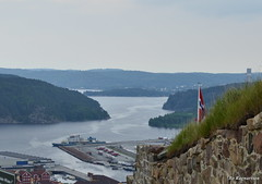 Halden Port (Bo Ragnarsson) Tags: norway harbor norge cloudy fort fortress halden hamn fredriksten