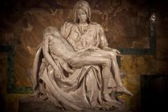 La Piet di Michelangelo,basilica di San Pietro in Vaticano, Roma. (william eos) Tags: roma arte vaticano michelangelo canonef24105mmf4lisusm williamprandi lapieta