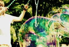 Life is just a buble ((H)Ada C.) Tags: trees light green girl colourful bubles buble wiato dziewczyna ziele kolorowe drzewa baki baka