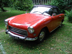Simca Ocane Cabriolet 1957 (gueguette80 ... non voyant pour une dure indte) Tags: old red cars rouge juin convertible autos 2012 picardie simca somme anciennes ocane redcars franaises loeuilly