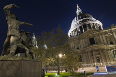 The charge on St Pauls (Andrew 73) Tags: london christopher wren stpaulscathedral sir churchofengland andrewthomas
