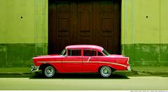 263 - The Classic (Ata Foto Grup) Tags: door old red green classic chevrolet wheel yellow classiccar market wheels havana cuba vieja american habana artisan araba eski reddish yeşil sarı oldhavana habanavieja küba kırmızı klasik lastik kapı otomobil jant classicamerican classicamericancar klasikotomobil