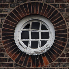 window (Leo Reynolds) Tags: window canon eos iso200 300mm 7d squaredcircle f67 0003sec hpexif sqyork xleol30x sqset078