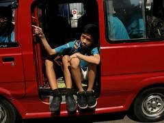 2012-05-26_048 (hobifoto) Tags: feet children eyes fingers schools eyeglasses cilegon minibuses rsopardede wholefraction hobifoto