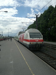 2012.06.12 - Kirkkonummi (Dexte-r) Tags: finland båtvik kirkkonummi 2012 nokia n8 train railways vr station