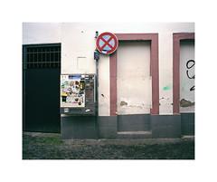 vending machine (ha*voc) Tags: urban film mediumformat rangefinder 6x7 trier 220 urbanfragments 65mm fujinps160 mamiya7ii